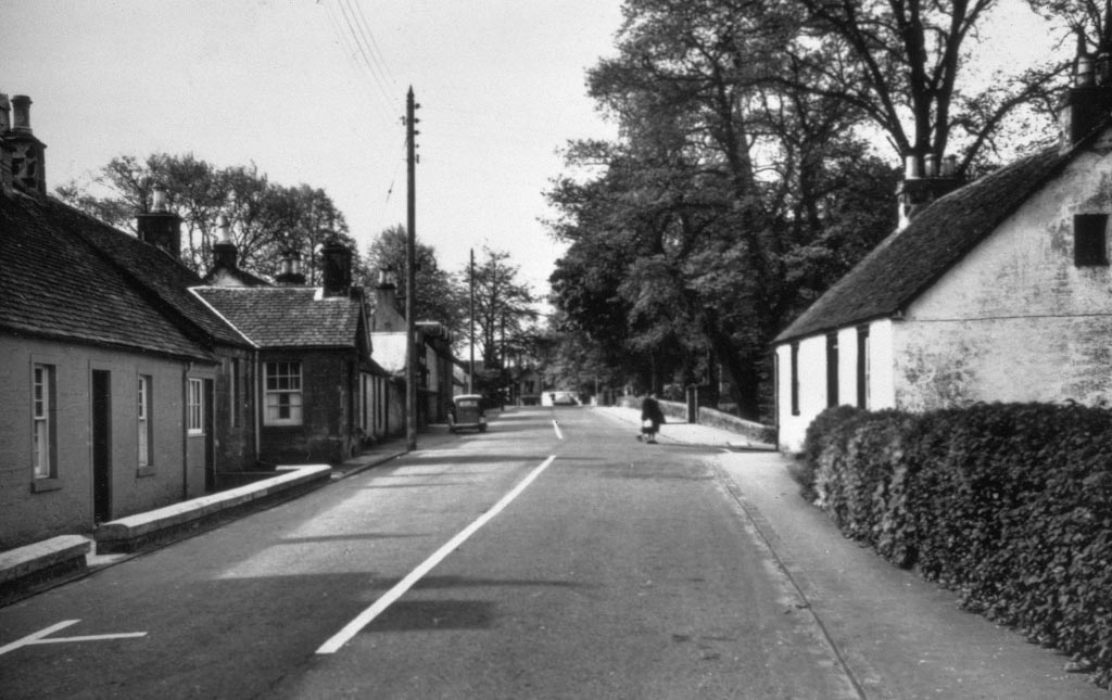 Black and White photo of a deserted Killearn Main Street