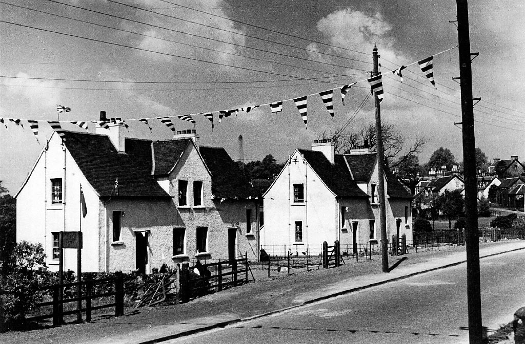 Black and white photos of bunting on the mainstreet townfoot in Killearn